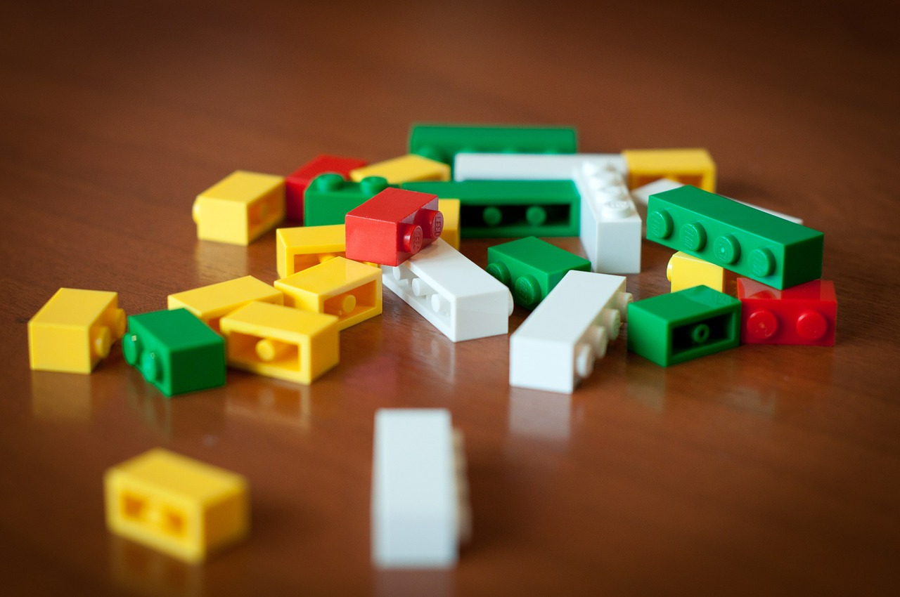practice listening online with stories about lego toy