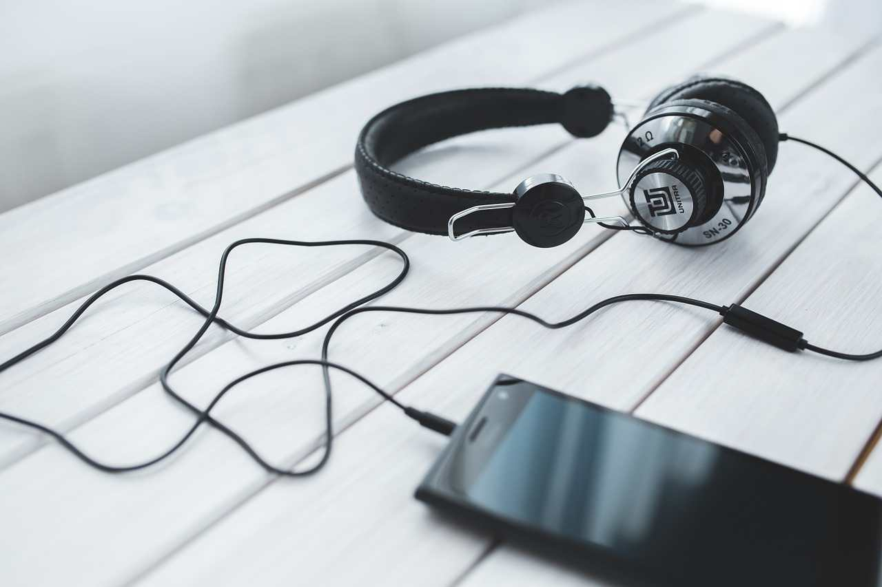 learning english with listening stories on the headphone